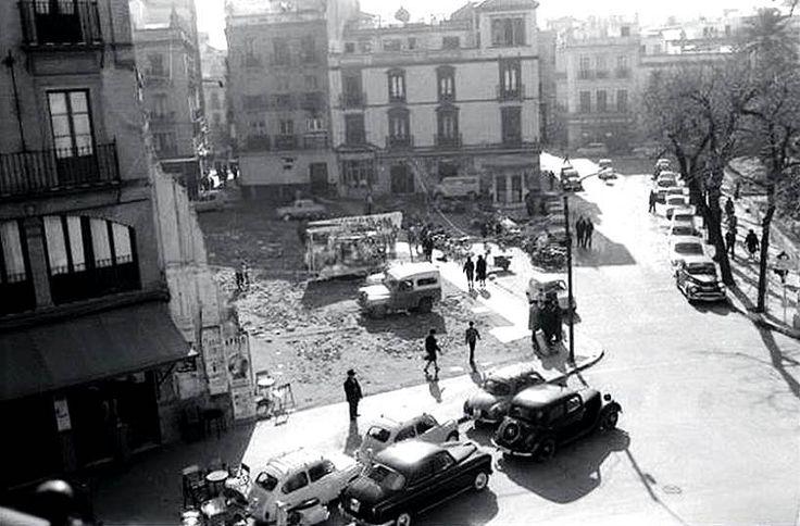 PLAZA DEL DUQUE, demolición del viejo Palacio de los Cavalieri