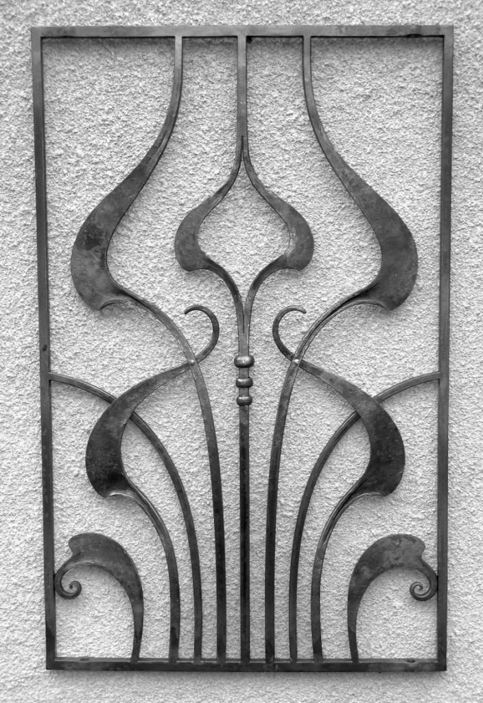 """here are some """"art nouveau"""" inspired window grilles.               [/url"""