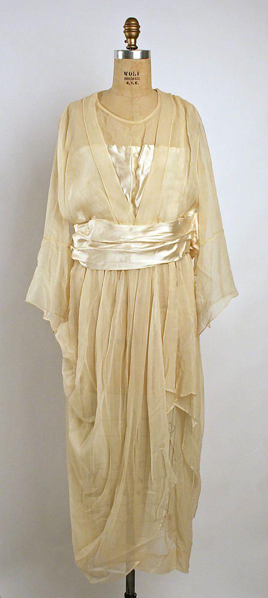 "Ivory silk satin and chiffon wedding dress, American, 1919. Label: ""O'Connor Moffatt & Co./San Francisco, Cal."""
