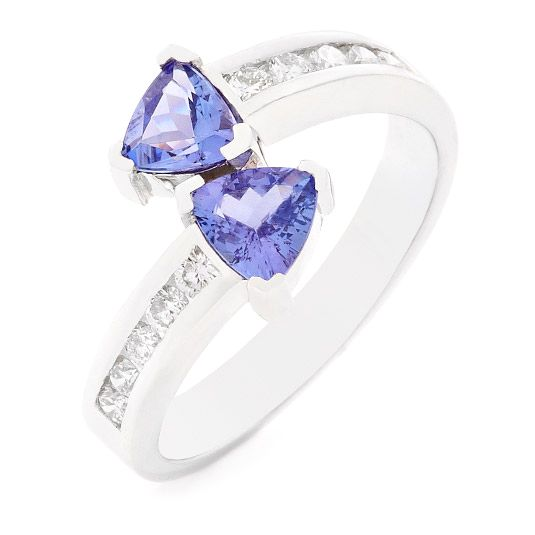 18 carat white gold tanzanite and diamond ring