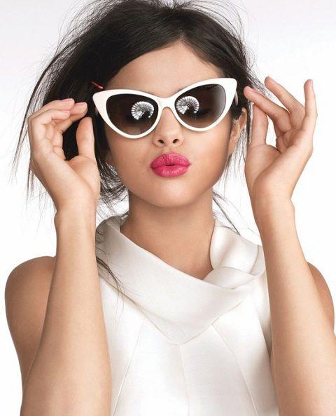 selena gomez wearing sunglasses | Selena Gomez Images: Selena Gomez Sunglasses