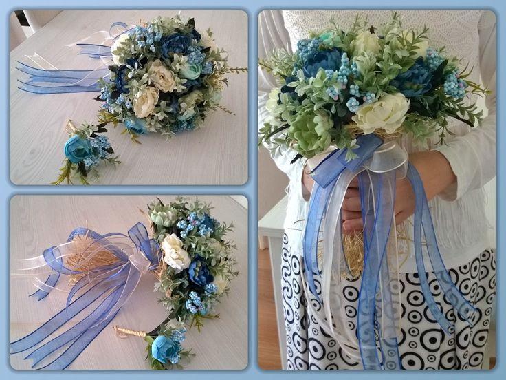 Mavi-beyaz güller.  http://instagram.com/p/BJF2zvhAf8j/