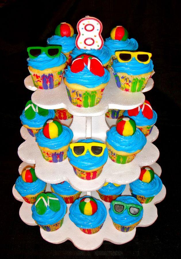 Cupcakes de festa na piscina – Cupcakes!   – Jackson's 1st Birthday Party Ideas