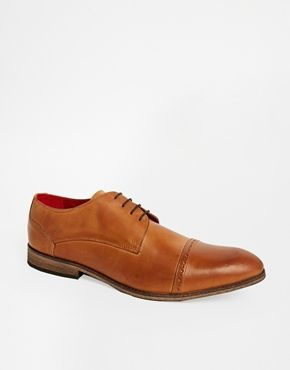 Enlarge New Look Shoes with Toe Cap Detail