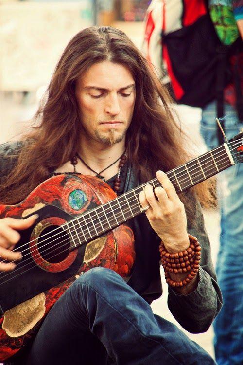Apprends à jouer de la #guitare comme l'incroyable #Estas #Tonne sur https://www.MyMusicTeacher.fr !