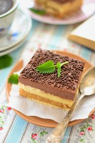 Anyżkowo: Ciasto 3 bit z kakaową pianką