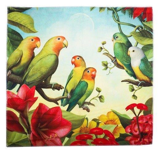 Love Birds of Africa, Med dette vakre nytteknyttet (med motiv av tre forskjellige fugler) kan du pakke inn dine valentinsgaver. Den som mottar gaven kan bruke det om igjen som gaveinnpakning, eller som skjerf, belte, hårbånd eller veske.