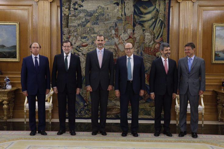 El Rey Felipe, el presidente del Gobierno, el presidente del Senado, el presidente del Tribunal Supremo y del Consejo General del Poder Judicial y el ministro de Justicia Palacio de La Zarzuela. Madrid, 27.07.2015