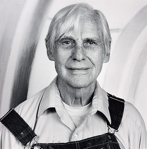 Dutch abstract expressionist artist Willem de Kooning was born on this day, April 24th, in 1904.