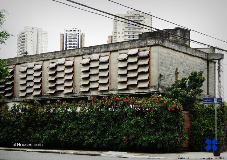 Ruy Ohtake /// Rosa Okubo House /// Vila Mariana, Sao Paulo, Brazil /// 1964