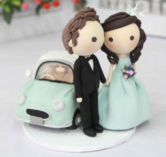 LOS 5 MEJORES MUÑECOS PARA TARTAS DE BODAS Lo que más llama la atención del pastel de bodas es la figura de los novios. Pero en la actualidad las hay de muy originales, y hasta graciosas con un toque de humor.