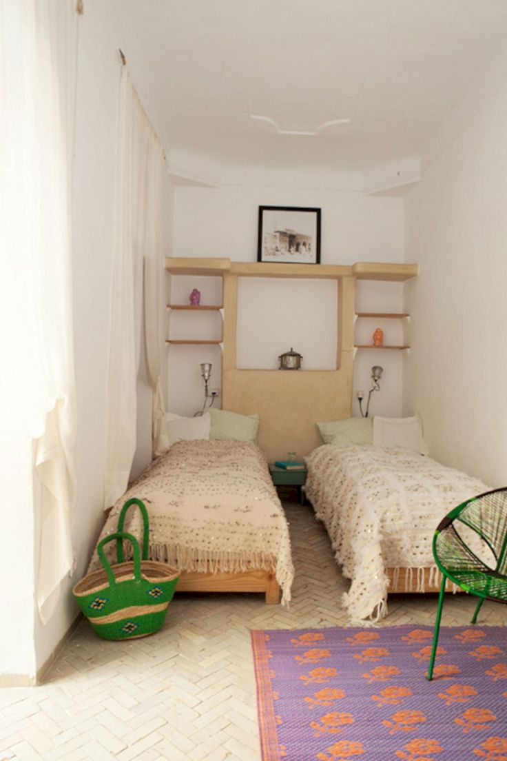 Best 25 narrow bedroom ideas on pinterest narrow - Twin bed ideas for small bedroom ...