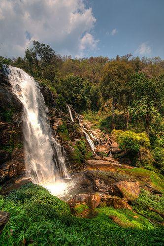 Un mundo por descubrir: Waterfall in Chiang Mai