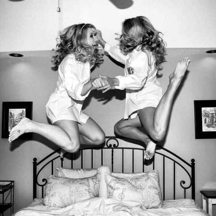 ✔ DO jump on the bed ~ Bachelorette Bucket List. #bachelorette #game