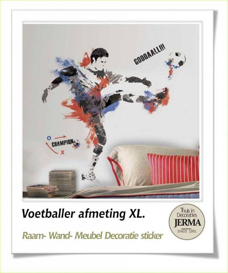 Decoratie stickers: muursticker Voetballer wanddecoratie grote ...