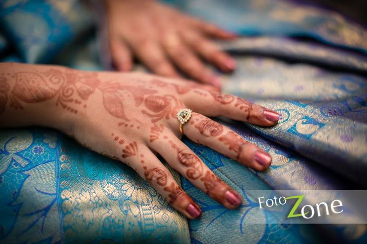 Photo by Foto Zone, Chennai #weddingnet #wedding #india #indian #indianwedding #ceremony #indianweddingoutfits #outfits #backdrops #prewedding #photographer #photography #inspiration #gorgeous #fabulous #beautiful #jewellery #jewels #details #traditions #accessories  #weddingring #ring #gold #diamond
