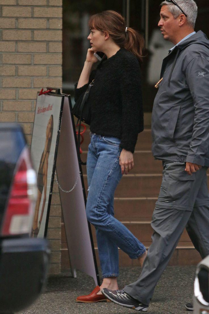 Dakota Johnson Meets Up With Jamie Dornan's Wife for Sushi (6/24/16)  Via: FiftyShadesEN