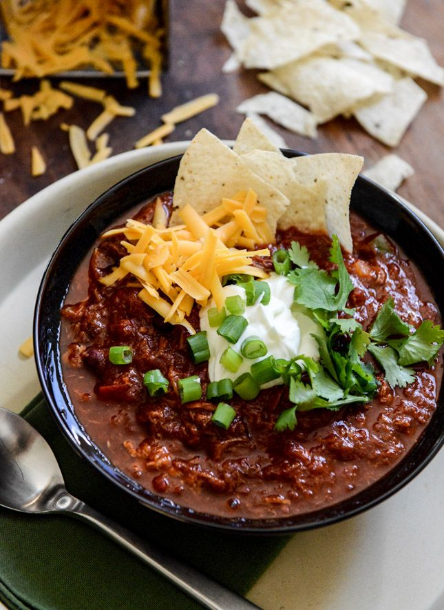 Crockpot Pulled Pork Chili I howsweeteats.com