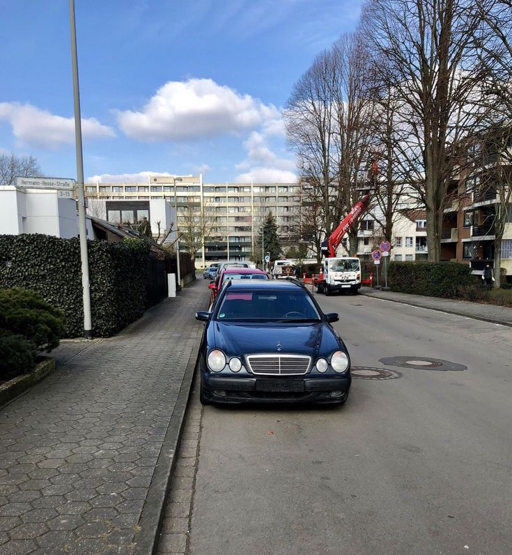 Mercedes E200 T Kompressor, blau,TÜV neu   Check more at https://0nlineshop.de/mercedes-e200-t-kompressor-blautuev-neu/