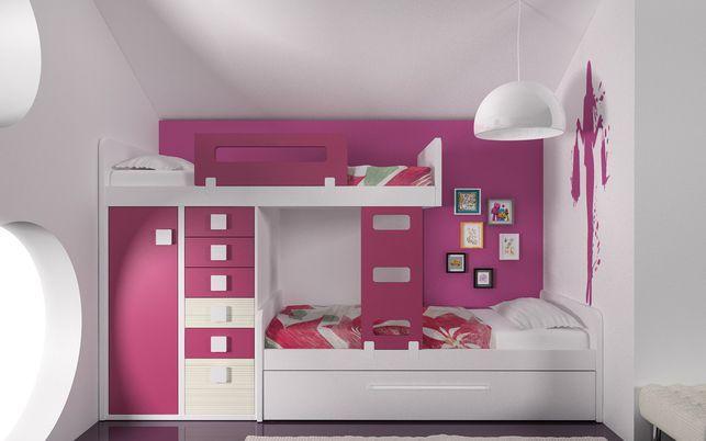 Esta composición con cama tren es perfecta para ganas espacio en habitaciones estrechas.
