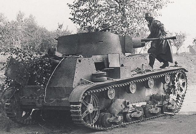 7TP (siedmiotonowy polski) by Panzer DB, via Flickr