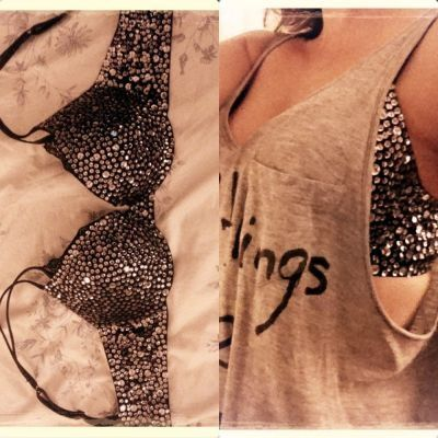 Recycle an old bra: Outfits, Old Bras, Sports Bras, Sparkle Bra, Cute Ideas, Diy, Bling Bling, Bedazzled Bra, Studs Bra