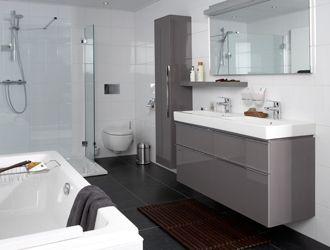 Donkere vloer en witte wanden huis badkamer pinterest - Badkamer zwarte vloer ...