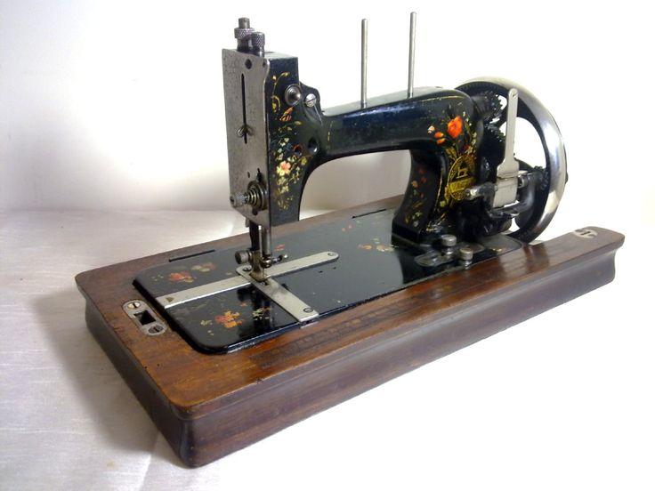 ❤✄◡ً✄❤ L.O DIETRICH VESTA HAND CRANK SEWING MACHINE