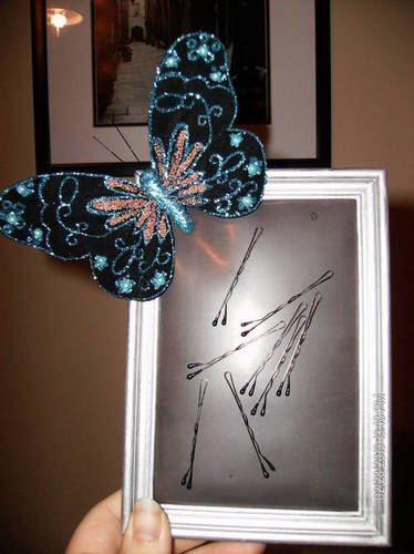 Magnetic bobby pin frame is a needed item for the hair fixing room.  So going to make this for our bathroom!