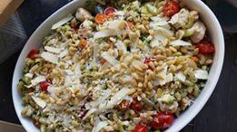 Nóg een macaroni-ovenschotel Kip mozzarella tomaat, maar dan zonder pakje van Honig. Gemaakt door Marieke.