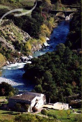 Camping Sortipiani - Corsica U vind de camping op de RN 200 tussen Aleria en Corte direct gelegen aan de rivier de Tavignanu. Geopend van be...
