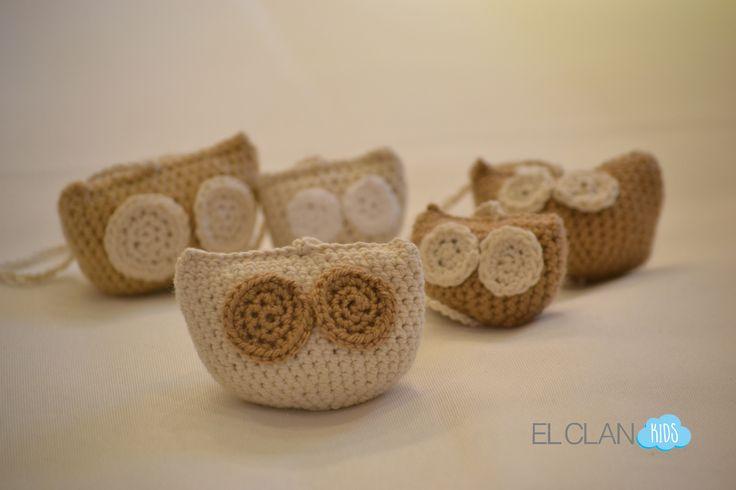 Guirnalda tejida a crochet diseño búhos www.elclankids.cl