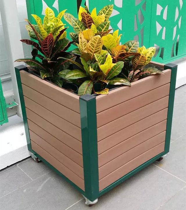 Planter Boxes Made From Composite Decking All Kind Of Wpc: 76 Best Durable Flower Box Images On Pinterest
