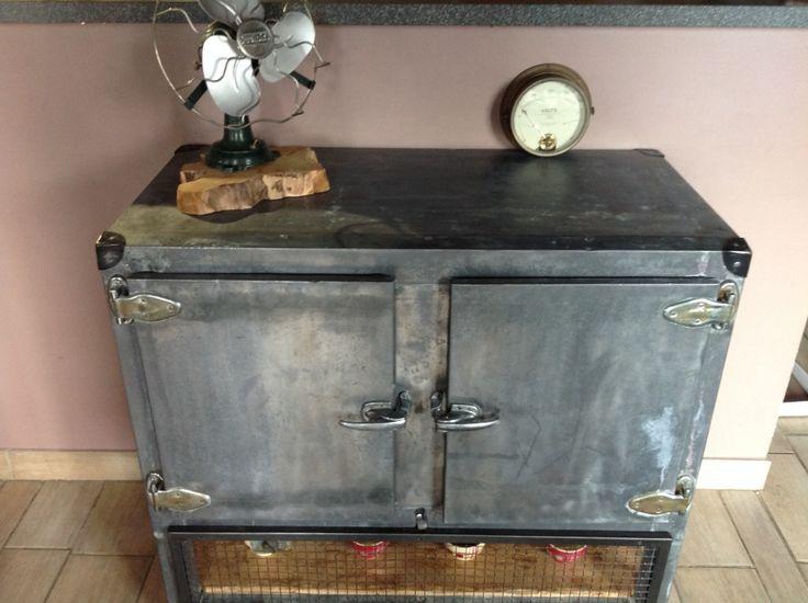 Meuble industriel ancien frigo Vintage