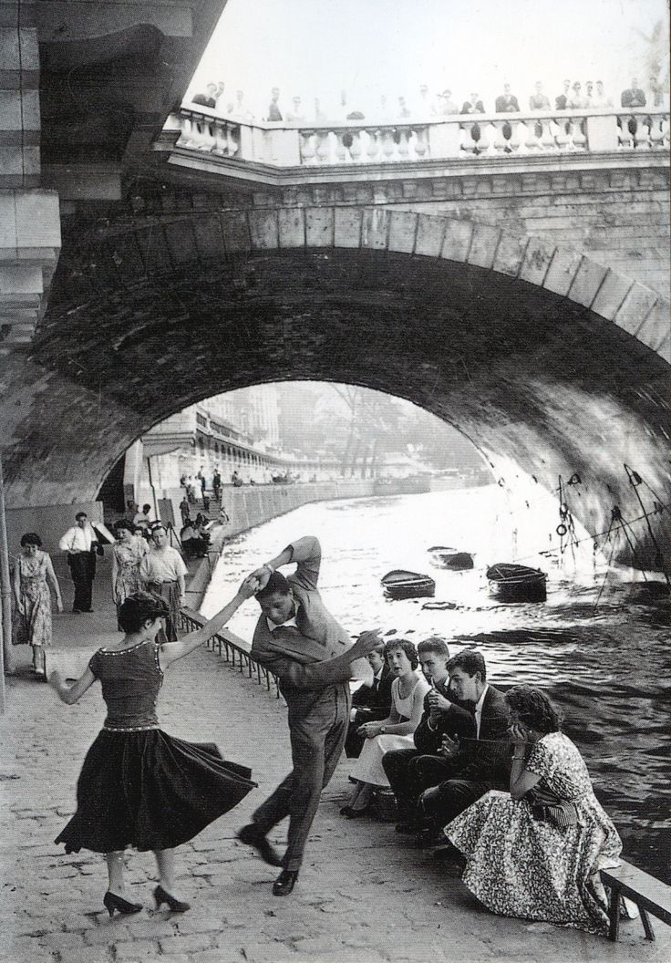 c. 1950s, Rock 'n' Roll sur les Quais de Paris. Pictures by Paul Almasy (c) AKG Images