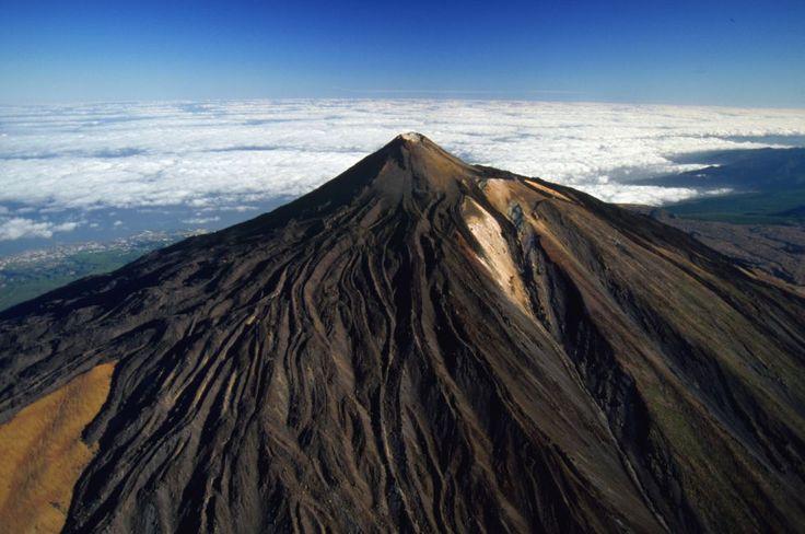 Nieves perpetuas, campos de lava, circos glaciares y las cimas más altas