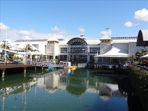 Sunshine Plaza Maroochydore - prettiest shopping centre :)