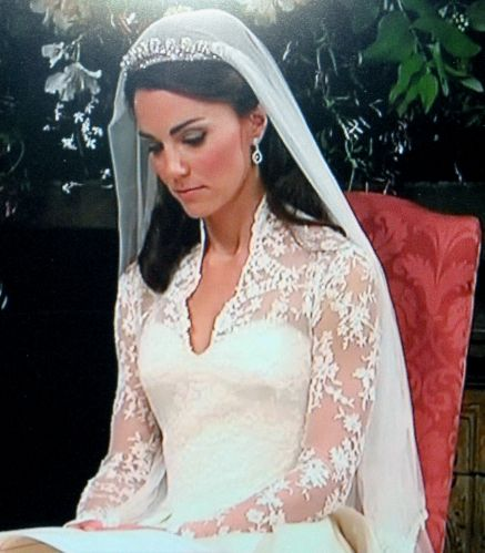 Fantastic article on how to make a wedding dress just like Kate Middleton's!