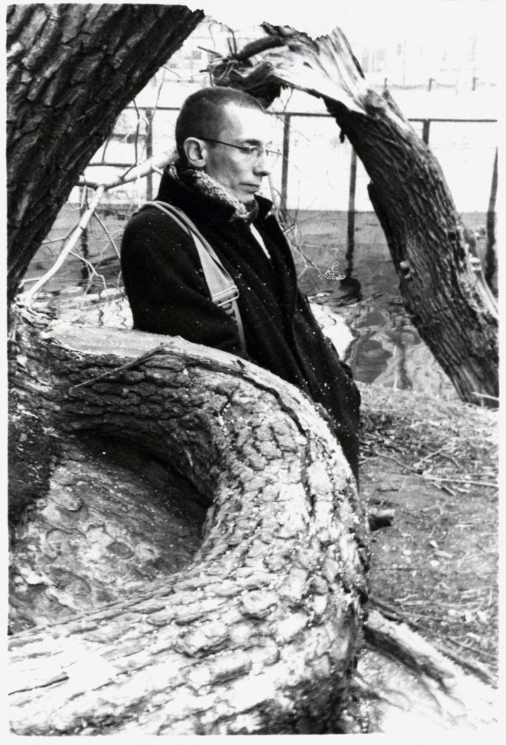 Портрет художника Александра Гущина