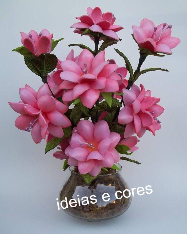 Vaso com flores lágrimas de cristo
