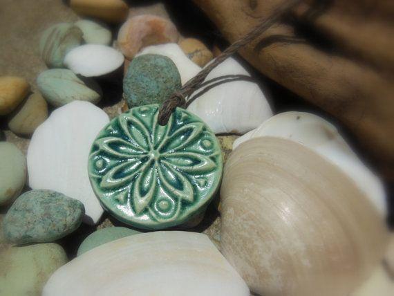 Ozeanblau texturierte ätherisches Öl Diffusor Kette, Runde Naturmedizin Keramik Anhänger, böhmische rustikal Strand Natur Clay Schmuck 2