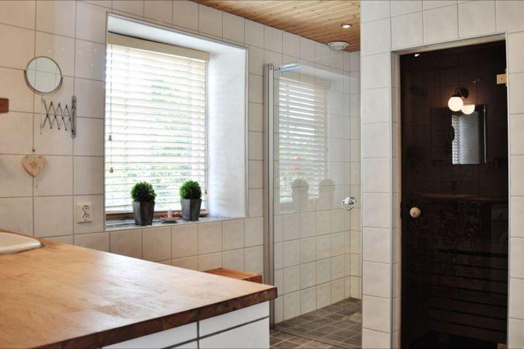#Forsale #Gotland #HomebyDean #interiordesign #interior #homedecorating #heminredning #inredning #golfbana #Västergarn #bathroom