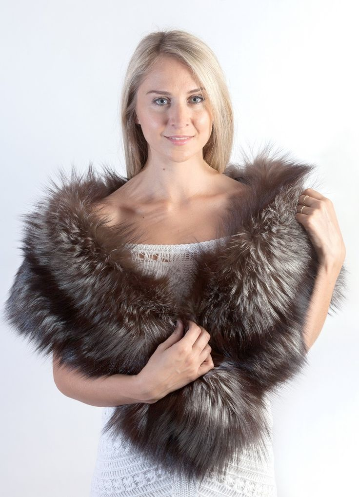 Authentic Scandinavian silver fox fur stole. Made in Italy. Amifur.com