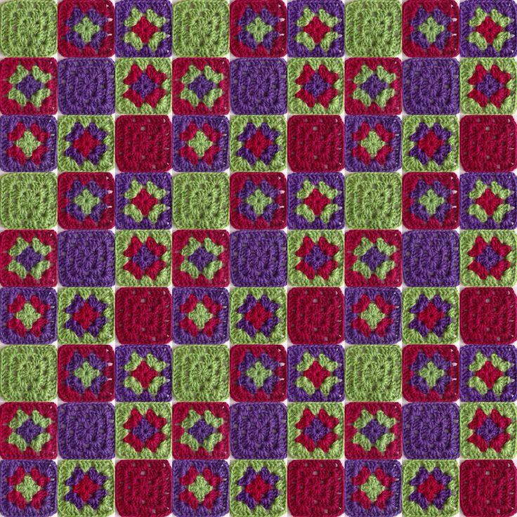 Permutaciones de 3 colores #violeta #granate #verde #ganchillo #yocreo #hechoamano #ganchet #jocreo #fetama #granny #grannysquare #crochet #crochetblanket #handmade #lana #llana #wool #ValeriadiRoma by @cristinacrea