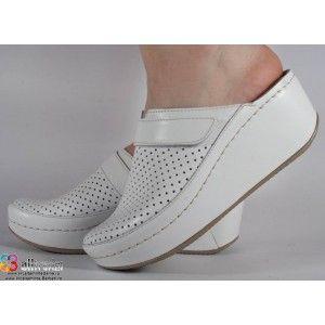 Saboti/Papuci albi din piele naturala dama/dame/femei (cod 666)
