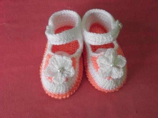 zapatitos para bebe tejidos a mano datos de contacto: Sra. Elba: 996959110 http://listado.mercadolibre.com.pe/_CustId_113400328
