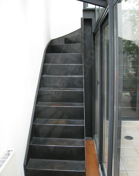 90 best un escalier avec contremarches pleines ou ajour es for Revetement d escalier interieur