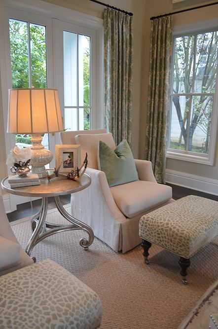 Design Chic - Love the footstools (and chairs, and curtains...) #livingroomchairscomfy