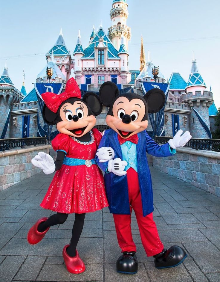Mickey Mouse and Friends Sport Sparkling Garb for the Disneyland Resort Diamond Celebration | Disney Insider | Articles