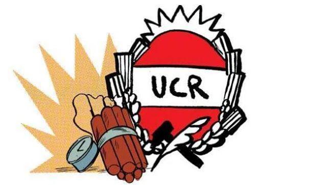 MACRI LE DEVUELVE PODER A LOS MILICOS Y LA UCR NO HACE NADA   Macri le devuelve poder a los milicos y la UCR no hace nada Parte del discurso de la Unión Cívica Radical (UCR) fue la reivindicación de los juicios a las juntas en el Gobierno de Raúl Alfonsín. Sin embargo como parte de la alianza del gobierno actual no dijeron palabra alguna para devolverle poder a las estructuras militares. Ayer se conoció el decreto 721/2016 mediante el cual el Presidente de la Nación derogó el decreto Nº 436…